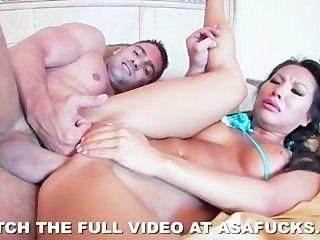 heiße asiatische Asa Akira liebt harten Sex