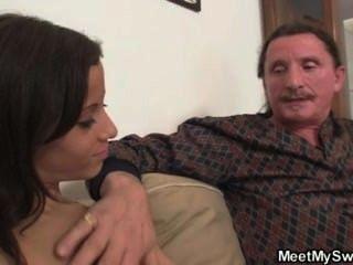 Mann findet seine gf fucking mit seinen Eltern
