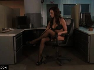 breanne benson zeigt Ihnen, wie gefickt im Büro zu bekommen.