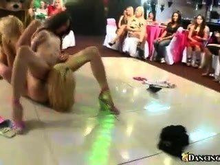 lesbischen Orgie auf der Tanzfläche