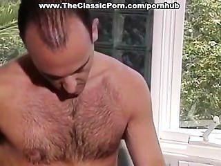 ein paar 80er Jahre Porno-Stars Liebe machen
