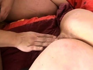 Hahn hungrig Mutter schluckt cum