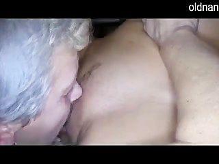 alte Dame und Mädchen