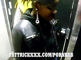 schwarz ausgeflippt Hacke Muschi schließen gerade die Toilette Tür neue nutt 2 bekommen