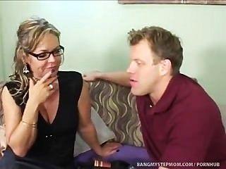 geil Schritt Mutter schiebt Beziehung Grenzen mit Schritt Sohn