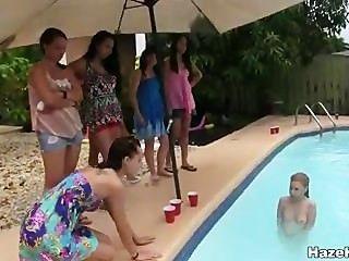 je Muschi in einem Pool gegessen?