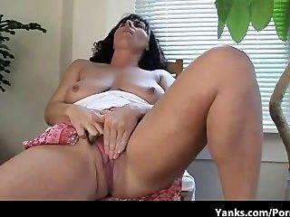lynn, die Mutter mit Super erstaunliche Titten