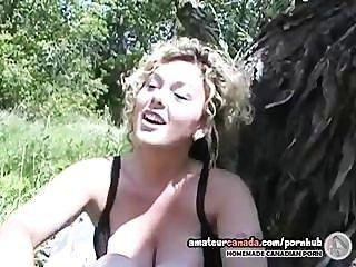 Sex Lehrer Frau interviewt dann masturbiert im Freien im Park