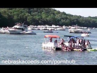 See-Party ohne Grenzen nackt College Mädchen im Urlaub