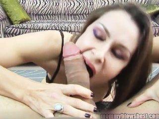 Neuling Milf nora noir gibt erste Porno Deep Throat