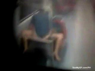 Paar gefangen Sex auf U-Bahn