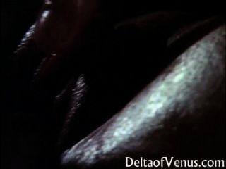 klassische vollbusige Asiatin - Ölmassage & Sex