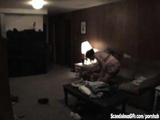 Mann bekommt seine preggy Schwester-in-law gefangen hämmern