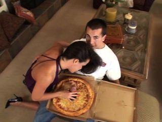 große Wurst Pizza für Sie