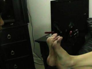 Fuß Sklavin Demütigung