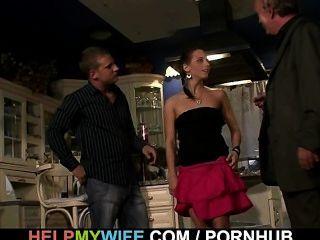 Überraschung für junge Frau cuckolding