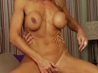 Fitness Milf sehr schöne blonde