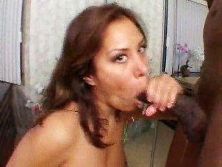 das ist, warum sie große schwarze Hähne liebt!
