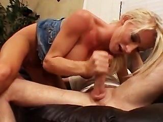 nadia hilton - sexuelle Mädchen