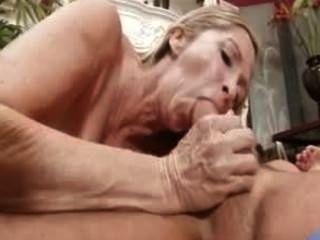 Sex hungrig Milf annabelle brady