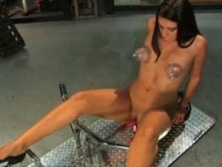socal Hottie, claire, fickt Maschine Schwänze größer als sie dachte, sie könnte