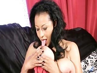 big Titties reifen Streicheln Muschi