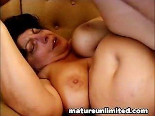 Mutter geschraubt dep..in ihre Muschi.