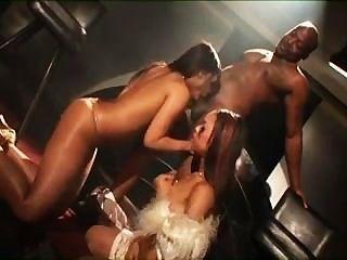 noble Mädchen freche Sachen in den Club zu tun