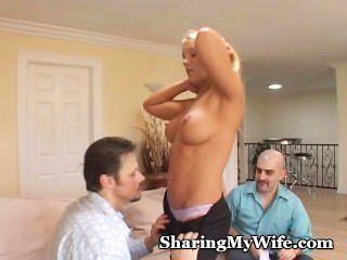 Naughty Mama von Ehemann geteilt