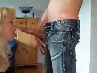 hot reifen liebt es, mit Schwanz und Dildo spielen