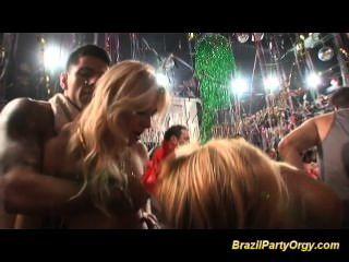 big tits Brazilian Babes große Schwänze hart gefickt