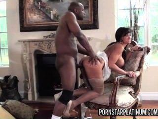 lisa ann hat Spaß mit Prinz großen schwarzen Schwanz
