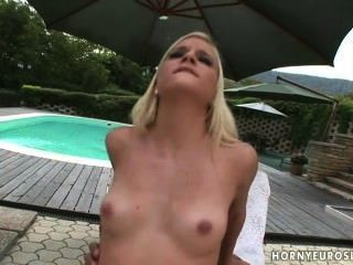 schöne blonde fucking mit großen schwarzen Schwanz