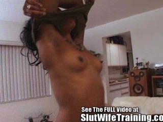 heiße schwarze Frau trainiert zu ficken!