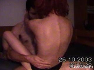 wirklich heiße Freundin reitet ihren Freund auf Webcam