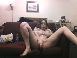 sexy delila fickt sich hart