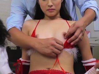 asiatisch kleinen Mund vs großen Schwanz Blasen auf Weihnachten