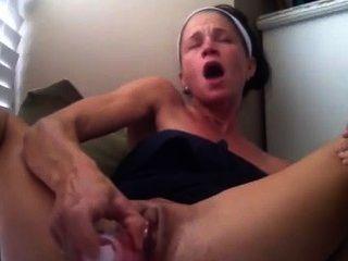 sexy hot Baby Mädchen masturbiert Finish mit spritz