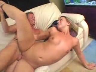 blonde Brianna Strand einen guten Fick von ihrem Fitness-Trainer genießen