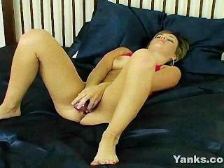 sexy Teen Dildo und Finger hämmern