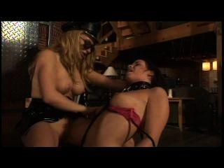 fem Slave 1 - Szene 2