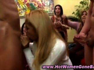 cfnm Stripper Hahn Gesichts saugen