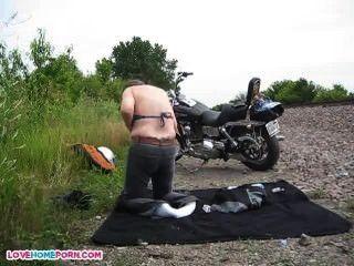 nackt Jungs nach lokalen moto Show
