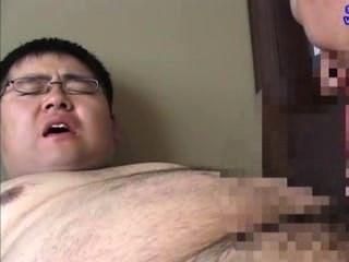mollig Junge wurde von seinem Lehrer gesaugt, viel Sperma abspritzen.
