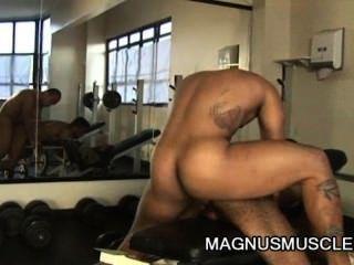 matheus axell und Douglasie Meister - Bodybuilder genial Homosexuell anal Training