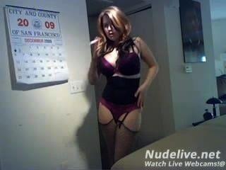 Webcam Masturbation -super heiße Brünette auf Webcam Rauchen