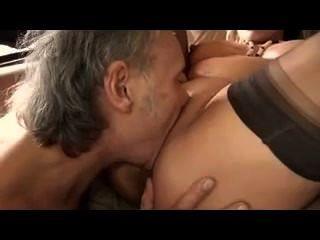 Preg Hündin fällt nie porn