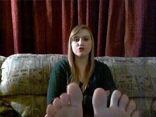 puaulna wigges ihre Zehen für u