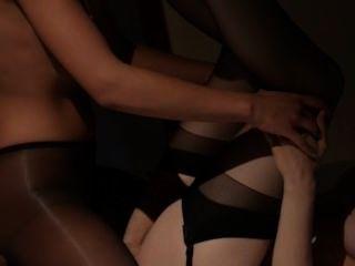 lesbs Sex vor dem Spiegel