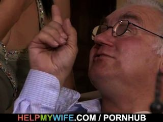 alte Ehemann Uhren seine süße Frau ficken